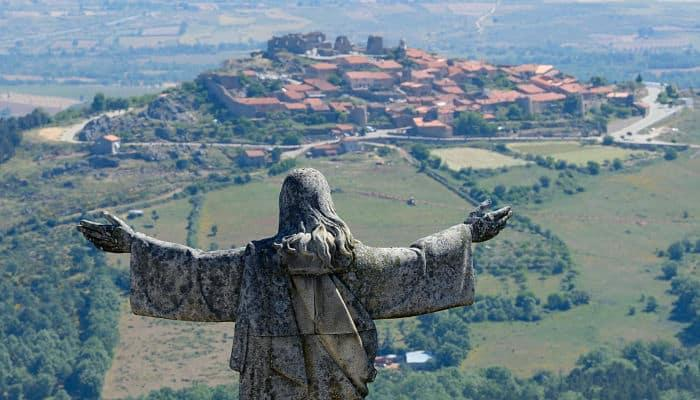 castelo-rodrigo-portugal
